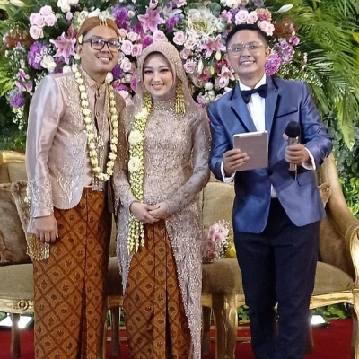 Happy Wedding Farobi Mutiara..Semoga Samawa Hapily Ever